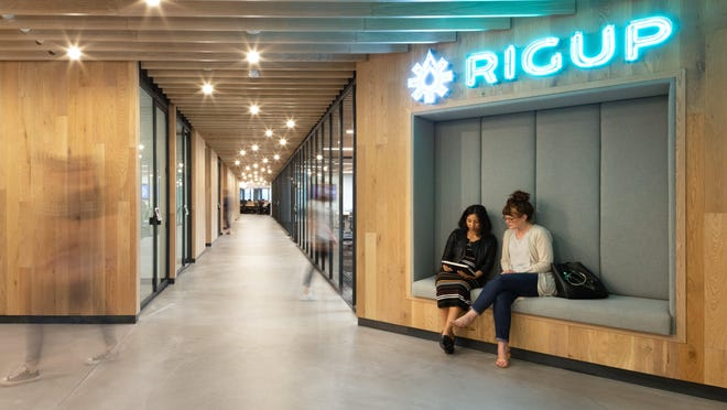 RigUp, which provides a platform for the oil and gas industry, is hiring 350 trades workers to support construction of a solar project in eastern Travis  County.