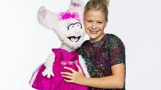 "On Oct. 4, 15-year-old comedian, singer and ventriloquist Darci Lynne Farmer will bring her unique family-friendly act, and her large puppets, to a day show at the Yarmouth Drive-In on Cape Cod. Farmer made history in 2017 when, at age 12, she became the youngest person to win TV's ""America's Got Talent"" show."