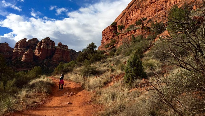 Bell Rock Pathway in Sedona offers a wide, mostly smooth ride for beginning mountain bikers, not to mention hikers and trail runners.
