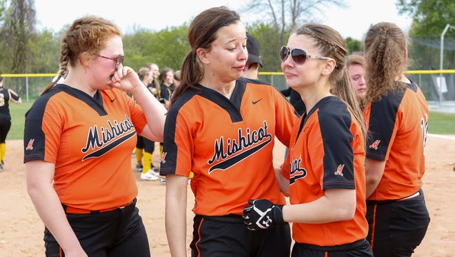 Mishicot deals with a tough 6-0 loss to Algoma after a great season Friday, May. 26, 2017, in Mishicot, Wis. Josh Clark/USA TODAY NETWORK-Wisconsin