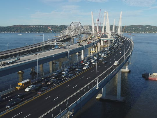 Morning rush hour traffic moves slowly toward Tarrytown