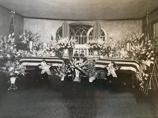 Photo of Wes and Babe Brinkley's funeral in Evansville in 1944.