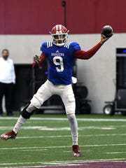 Indiana Hoosiers quarterback Michael Penix Jr. (9)