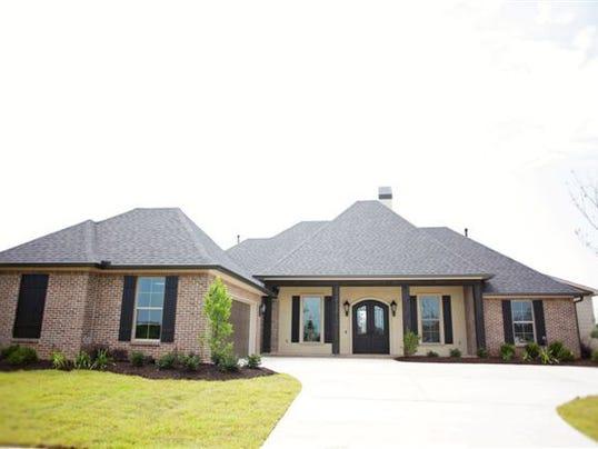 Arkansas couple wins 2014 ktbs3 st jude dream home for St jude dream home shreveport
