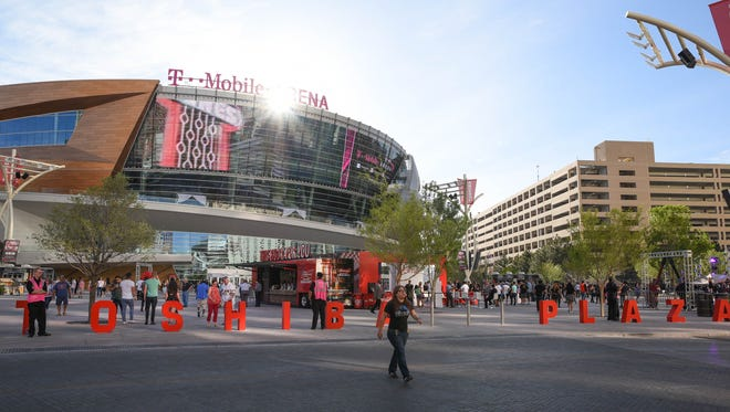 Event promoters have free reign of the two-acre Toshiba Plaza outside the entrance, with two outdoor stages and two different elevated decks.