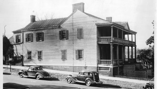 The Burgwin-Wright House as seen in 1937 after it was purchased by the Colonial Dames of America in the State of North Carolina, after they saved it from demolition and renovated it starting in the 1940s.