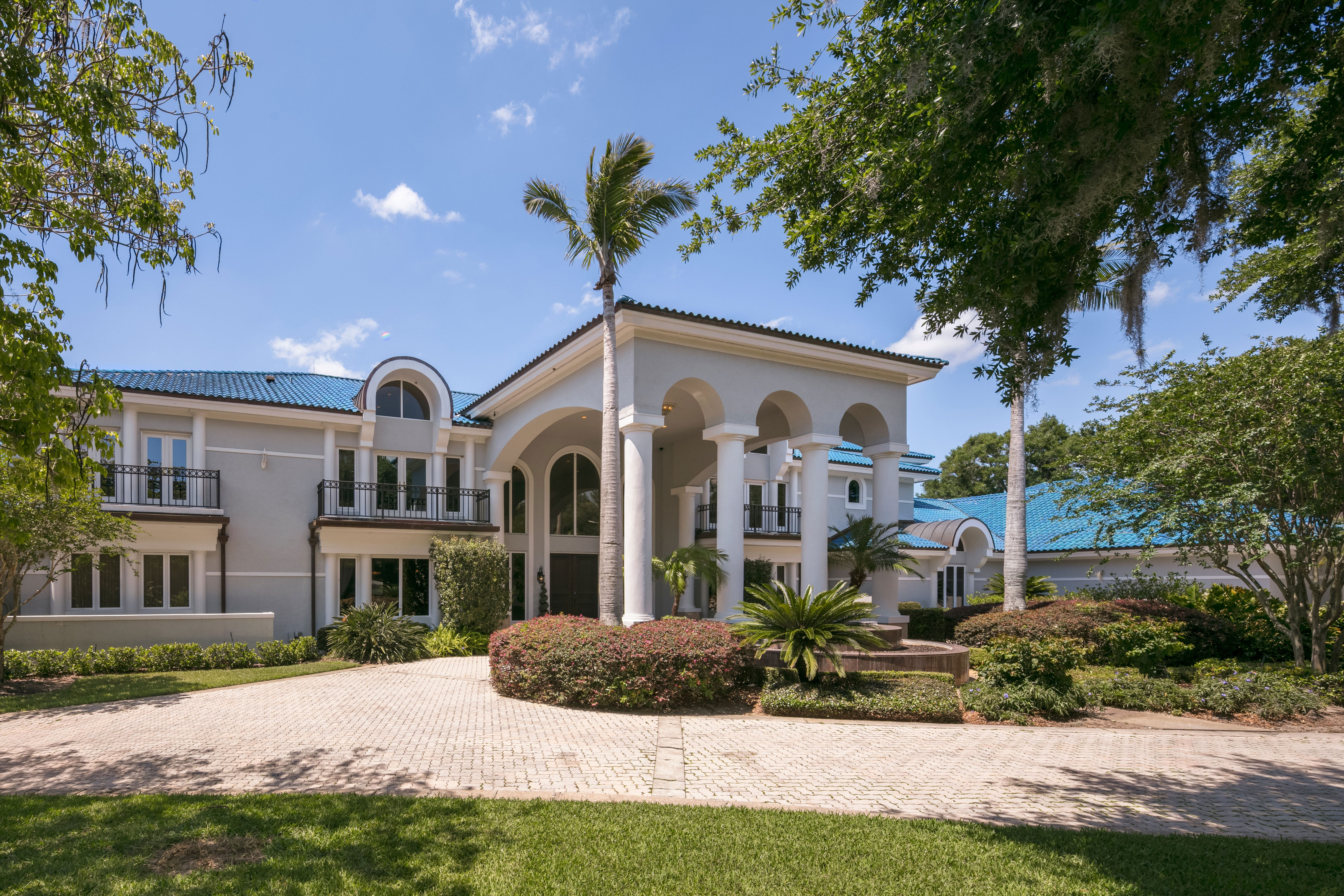 NBA Legend Shaquille Ou0027Neal Is Selling His 31,000 Square Foot Florida  Mansion For $28 Million