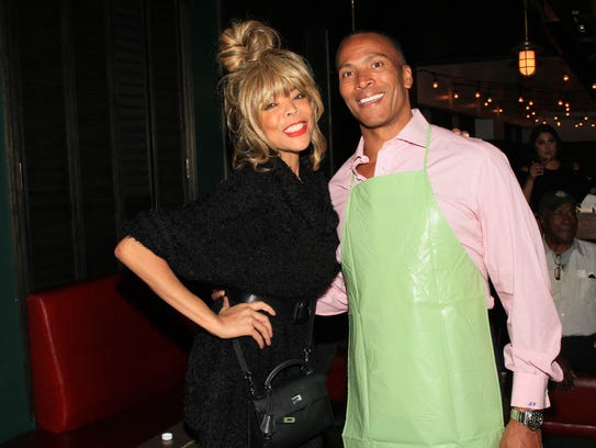 Wendy Williams with Fox 5 Anchor, Mike Woods at the