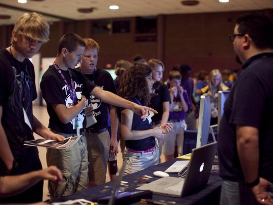 Bossier Art Council's DigiFest South allows students to interact with industry professionals.