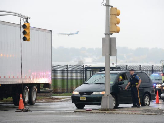 teterboro-airport-truck-hits-pole.JPG