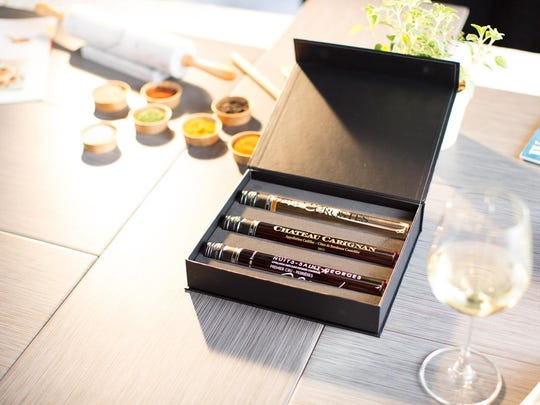Vinebox, a wine-by-the-glass subscription service, come sin individual tubes.