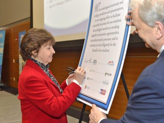 MTSU Transfer Summit pledge-Janet Smith.jpg