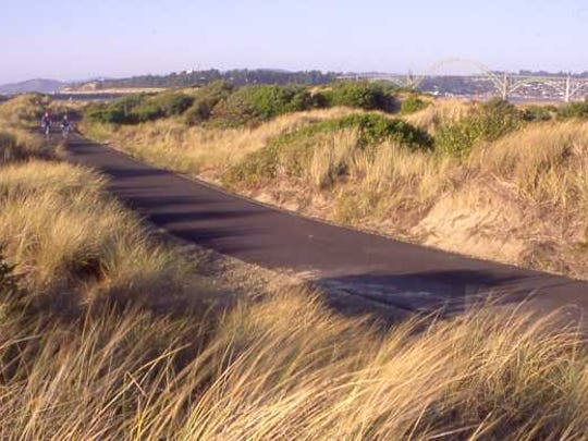 Paved pathway between South Beach State Park and Newport.