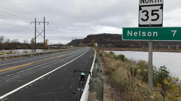The wind blew cold out of the north as I rode from Alma to Nelson on the Great River Road.