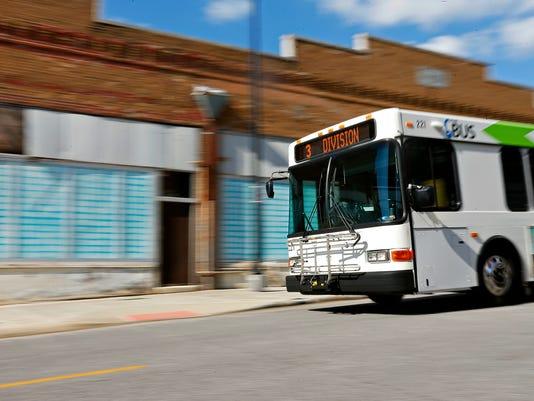 636071238971432202-Hernandez-Bus-01.jpg
