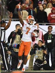 Clemson wide receiver Mike Williams (7) reacts after catching a touchdown against Alabama during the fourth quarter of the national championship game on Jan. 9, 2017.