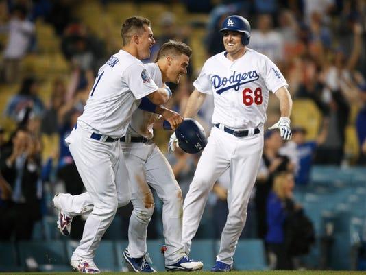 Rangers_Dodgers_Baseball_40201.jpg