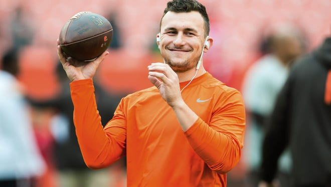 Quarterback Johnny Manziel #2 of the Cleveland Browns warms up prior to the game against the San Francisco 49ers during the first half at FirstEnergy Stadium on December 13, 2015 in Cleveland, Ohio.