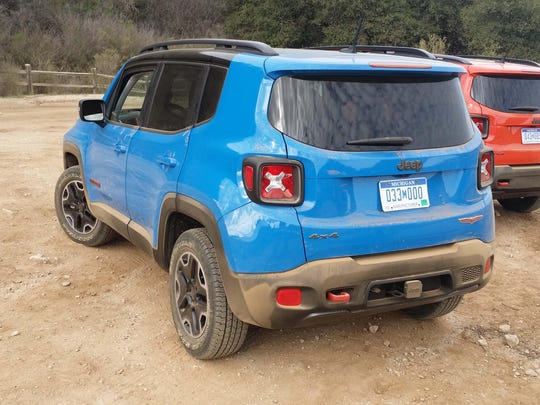 """Henry Payne says, """"The Renegade is the most intriguing (of the new subcompact utility vehicles) with its off-road Jeep swagger and impish sense of fun."""""""