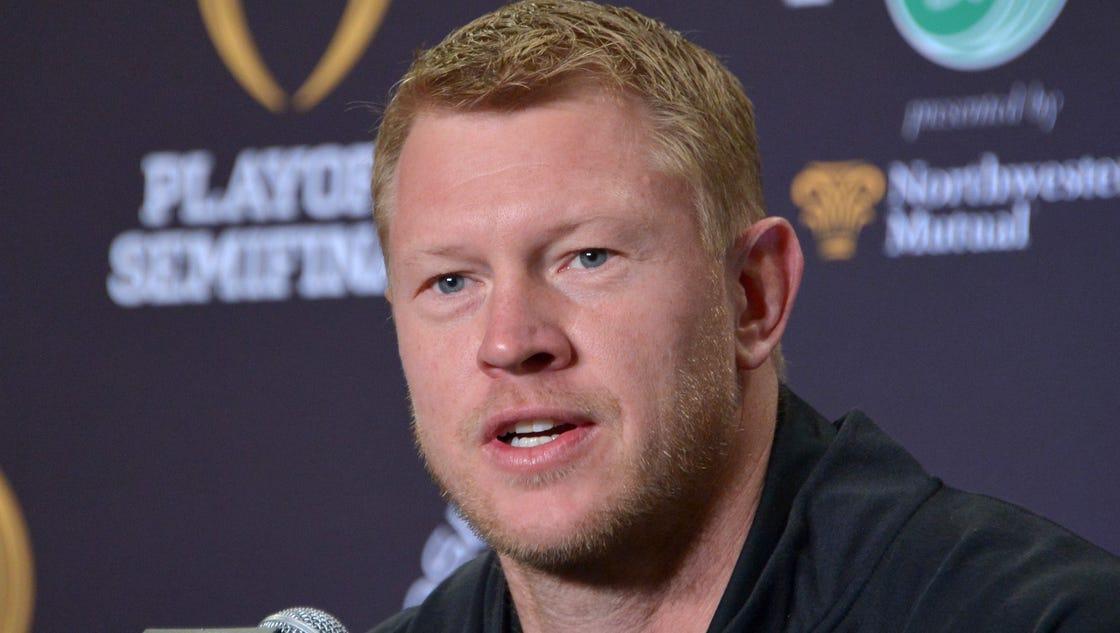 Scott Andrew Frost >> Oregon's Scott Frost is UCF's new head football coach
