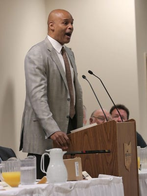 Former NBA player and current CBS sports presenter Clark Kellogg, speaks at the 30th annual Greater Mansfield Area Resurrection Breakfast on Saturday.