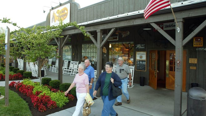 Cracker Barrel plans to bring its homestyle recipes by building a new restaurant in Cold Spring, Kentucky.