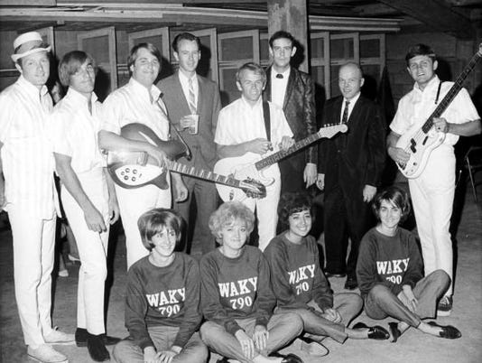 WAKY-DJs-with-Beach-Boys-1965.jpg