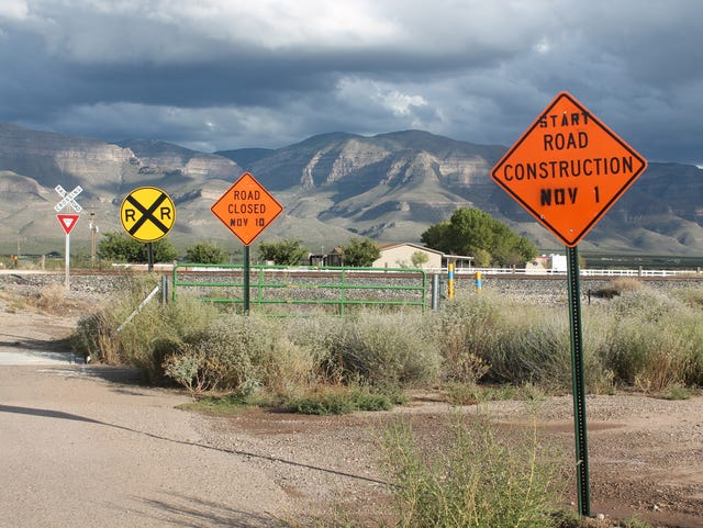 New railroad crossing for Taylor Ranch Road