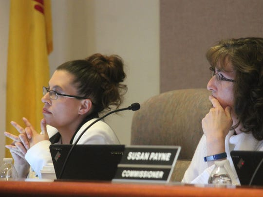 City Commissioners Erica Martin and Jenny Turnbull give their input on the 10th Street and Scenic Drive intersection issue.