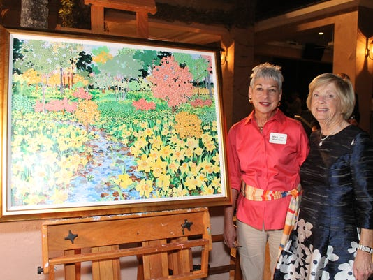 VNA-CEO-Mary-Linn-Hamilton-and-Teryl-Townsend-Viner-with-Land-of-Hope-painting.JPG