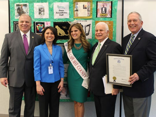 Pictured (from left to right) are: Senate President Steve Sweeney; VP & Chief Administrative Officer at NJ Sharing Network Elisse Glennon; former Miss Ocean County Devon Vanderslice; Bruce Goldstein, immediate past chair of our Board of Trustees and Joe Roth during Sweeney's visit to New Jersey Sharing Network headquarters during Donate Life Month 2016.