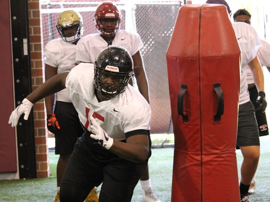 2019 3-star offensive guard Kamaar Bell works out at the FSU Big Man Camp in 2018.