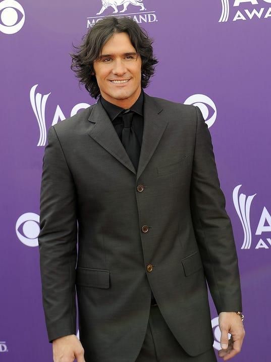 -ACM-Awards-Nashville-02.JPG_20130407.jpg