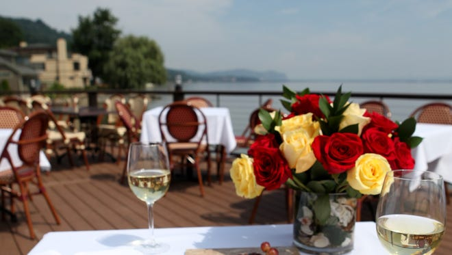The outdoor patio at Pier 701 features Hudson River and Tappan Zee Bridge views.