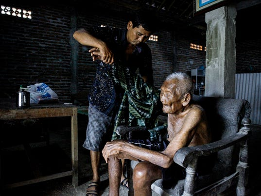 EPA INDONESIA PHOTO SET WORLD OLDEST MAN DEATH HUM PEOPLE SOCIETY IDN CE