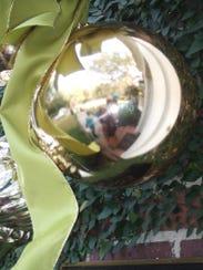 Christmas_ball_12-07