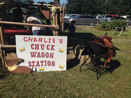 "Students at L. Leo Judice Elementary participate in ""Charlie's Reading Rodeo,"" a celebration to mark the first nine weeks of school in 2015."