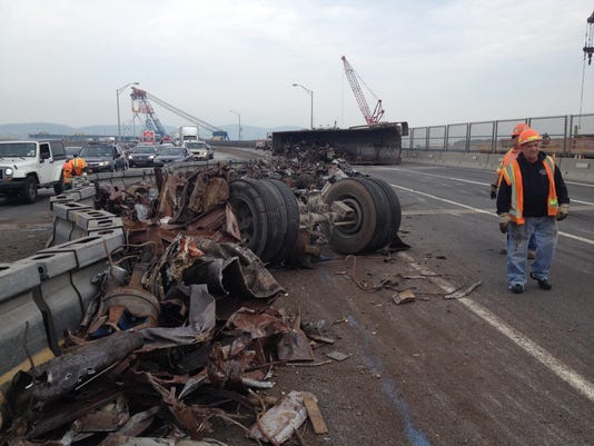 Tappan-Zee-Bridge-rollover-crash.jpg