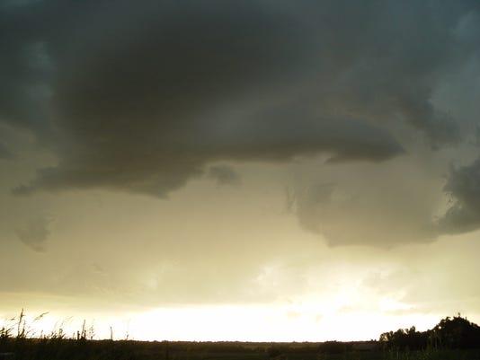 #ARNgenWx-Cloudy-Storms-Endplay.jpeg