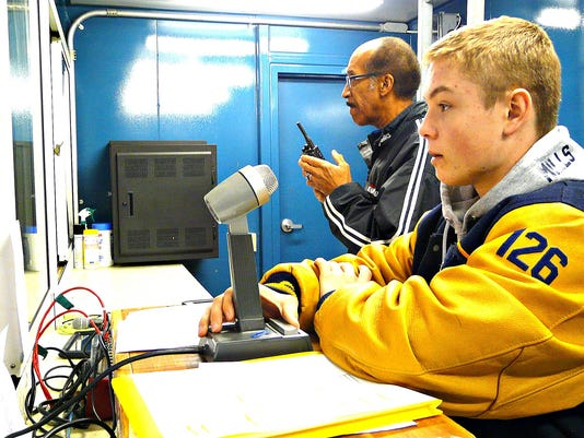 Del Val salutes student sports announcer
