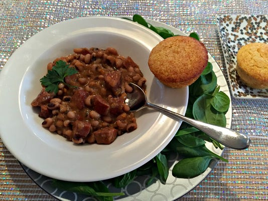New-Year-s-Day-Traditions-Black-Eyed-Peas.jpg