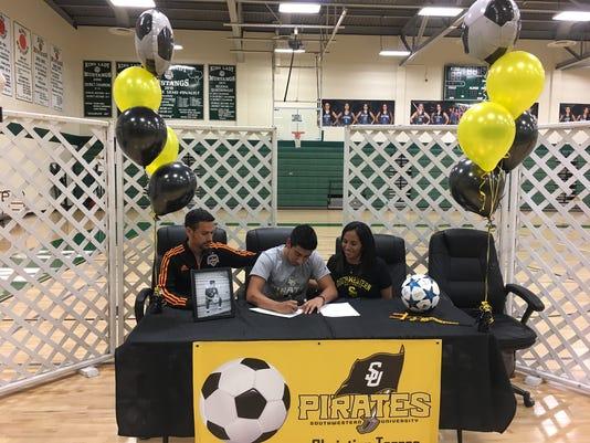 Torres-signing.jpg