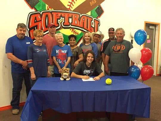 Burkburnett's Mackenzie Hooker signed to play softball