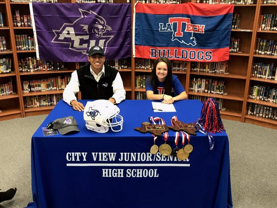 City View's Danny Ho (left) and Kayla Wampler signed to compete at the next level on Monday.