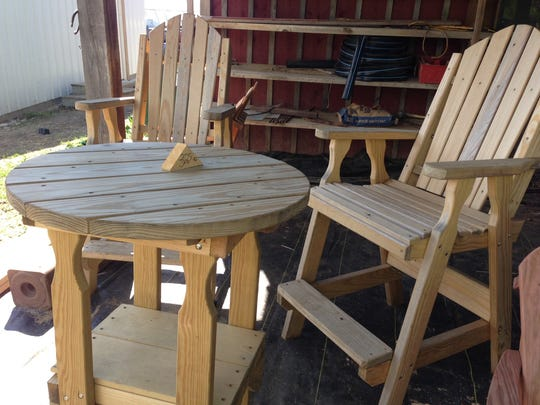 Custom wood furniture for sale in Amish country