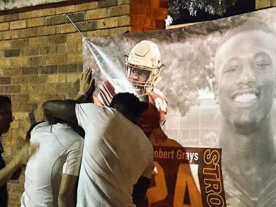 MSU students met and prayed for injured football player
