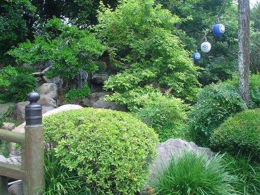 636511038693369494-garden.JPG
