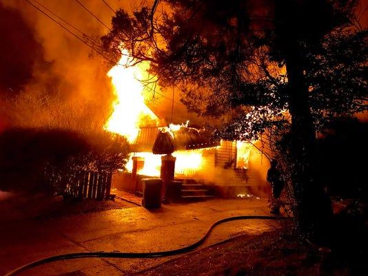 636540268332383453-Monday-morning-fire.jpg