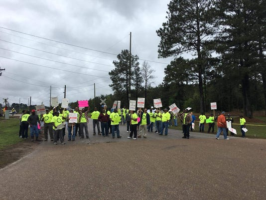 636582595428209625-Carpenters-Local-Union-2086-ULP-Strike-Taylorsville-MS.jpg