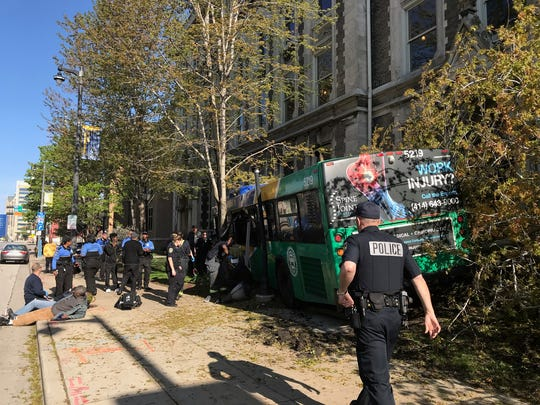 A Milwaukee County bus lost control and ended up on a sidewalk near Gesu Church on the Marquette University campus, the Milwaukee County Transit System announced on Twitter.